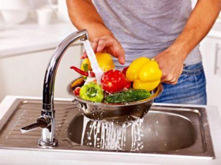 Промывка фруктов