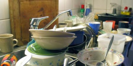 Скопление посуды грязной