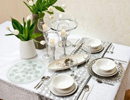 Сервированный стол
