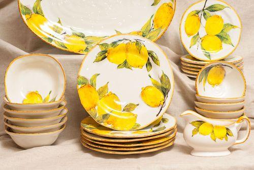 Красивый набор посуды