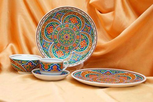 Тарелки с орнаментом