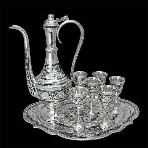 Свойства, виды и использование серебряной посуды