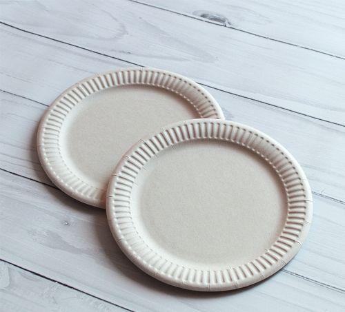 Виды одноразовой посуды для праздника